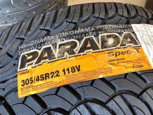 パラダのタイヤサイズ305/45R22