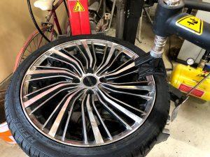 持ち込みタイヤ交換タイヤチェンジャー画像