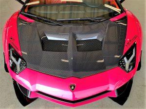 ランボルギーニ、アヴェンタドールのフロント周りカーボンボンネット画像