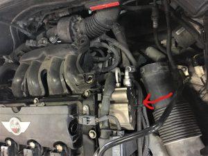 ミニクーパーの燃料高圧ポンプ画像