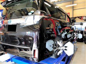 国産車30ヴェルファイアの四輪アライメント調整