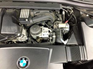 BMWのオルタネータ交換画像